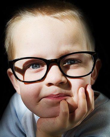 壊れにくい!小さな子供にオススメのメガネといえば?